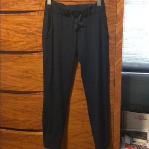 Lululemon on the fly pant true navy 4 PERFECT